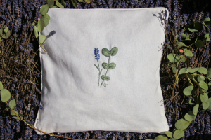 Geborduurd kruidenkussen Lavendel en Eucalyptus