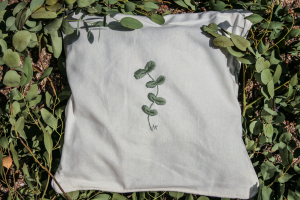 Geborduurd kruidenkussen Eucalyptus